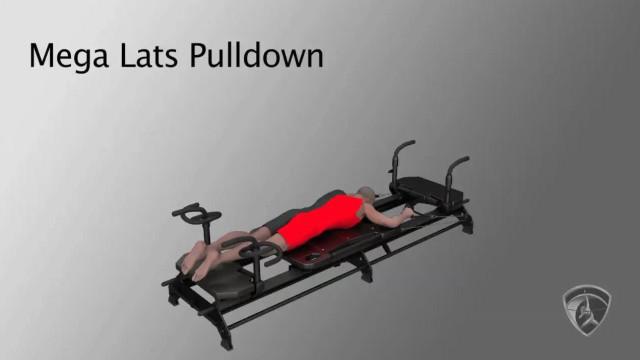 Mega Lats Pulldown